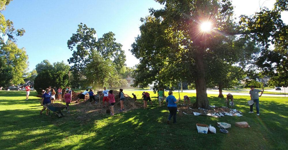 Urban Forest Initiative Tree Week 2019 Castlewood Park Mulching