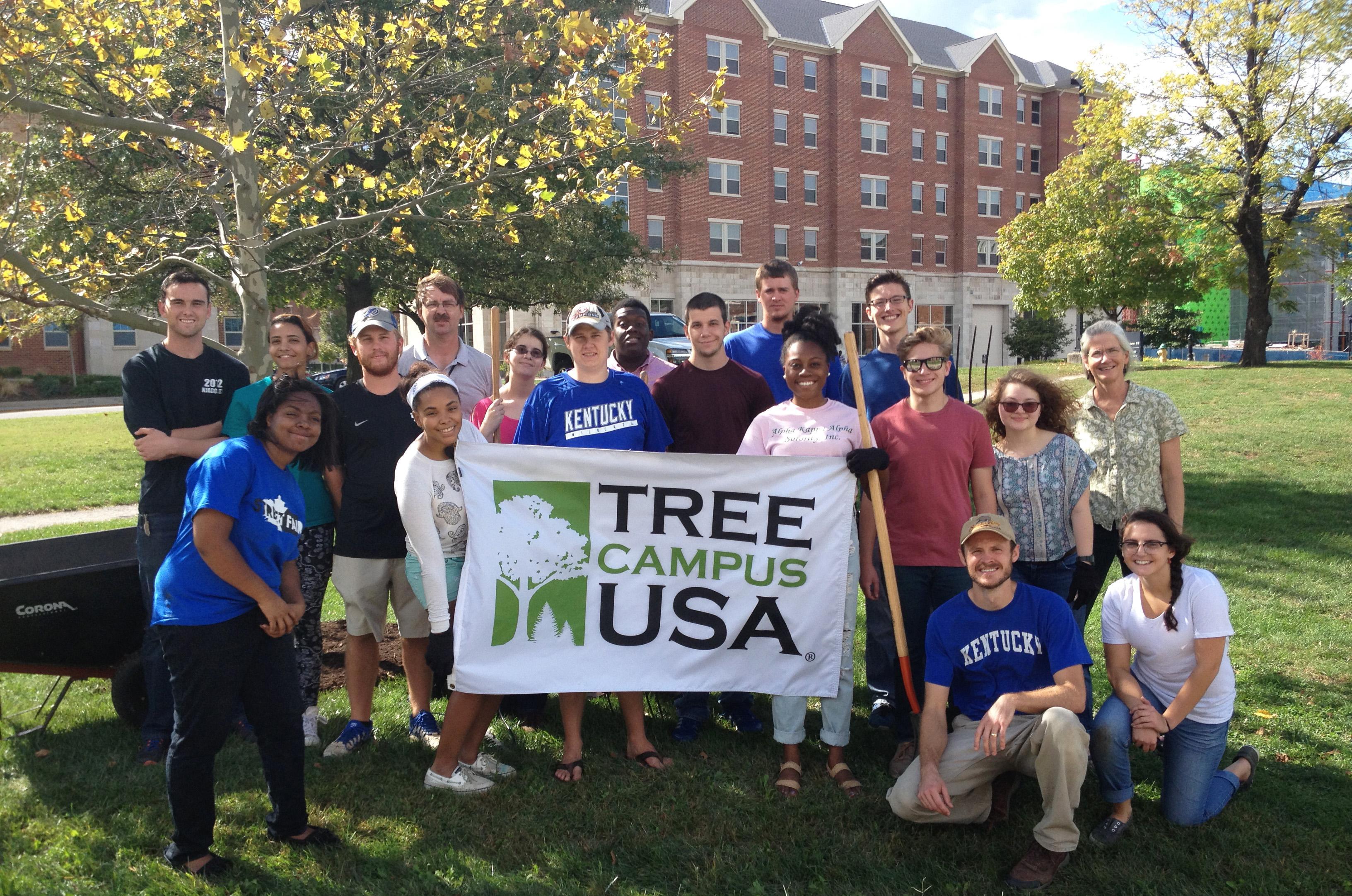 Urban Forest Initiative Tree Week Mulch Madness